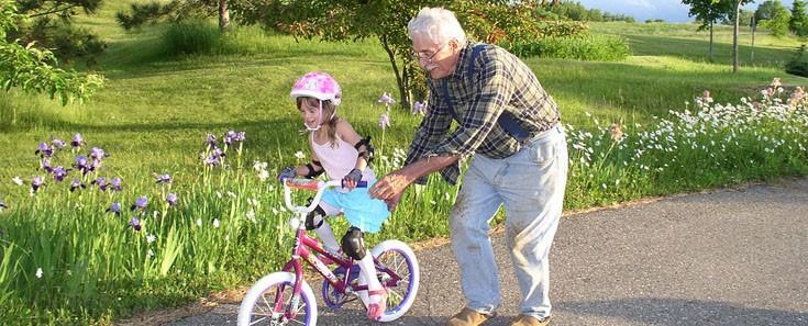 Vier redenen waarom jouw oma en opa een cadeautje verdienen!