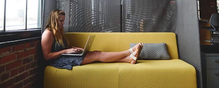 Heet op kantoor? 5 tips om het aangenamer te maken